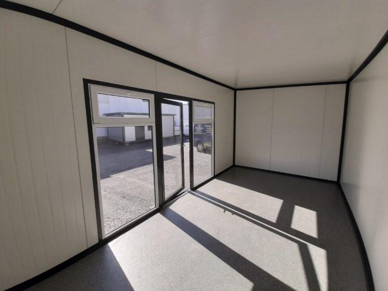 Zalety i funkcjonalność jaką wykazują domy mieszkalne z płyty warstwowej