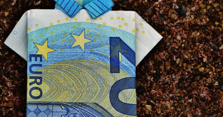 Jak zarabiają doradcy kredytowi?